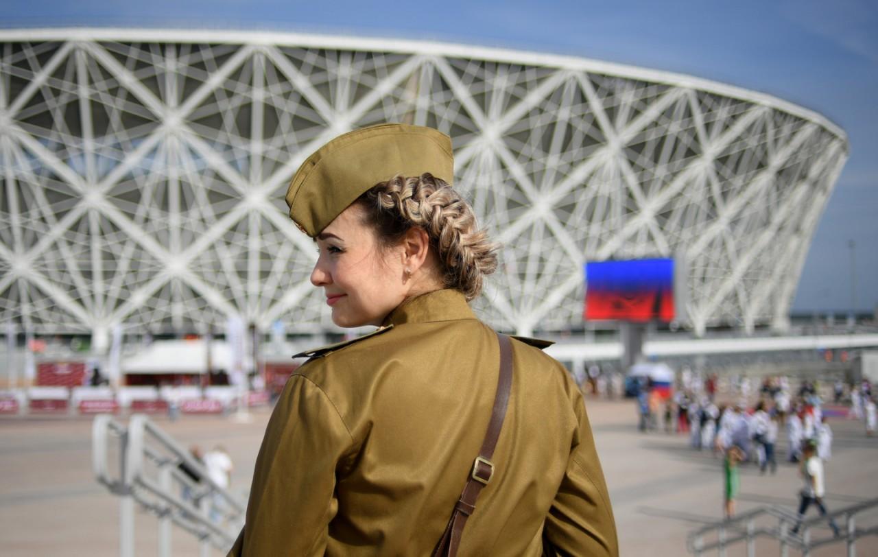 Одежду российских учителей предложили сделать похожей на военную форму