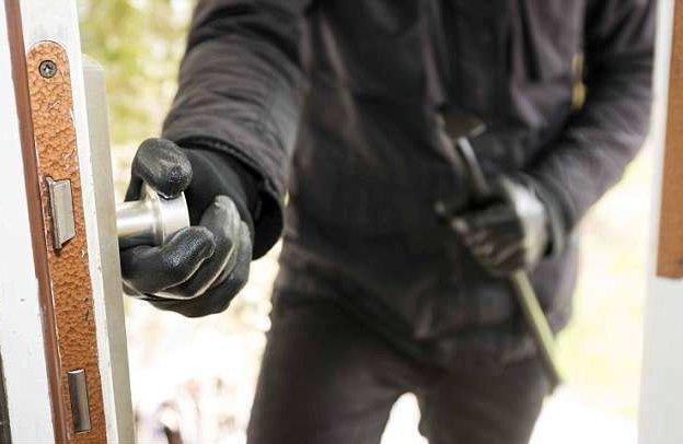 Воры-домушники рассказали, как предотвратить ограбление