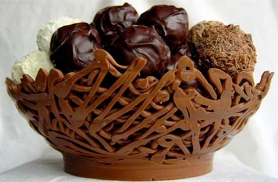 Кружевная шоколадная ваза