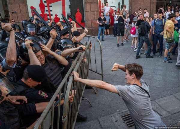 Украинский политик о беспорядках в Москве: Я в ужасе. Всё, как под копирку с Киевом