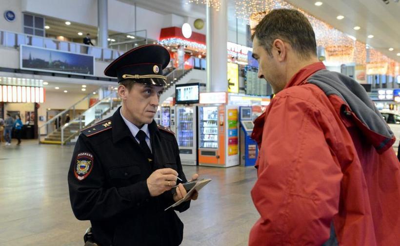 9 доказательств того, что сотрудники аэропорта знают о нас куда больше, чем мы думаем