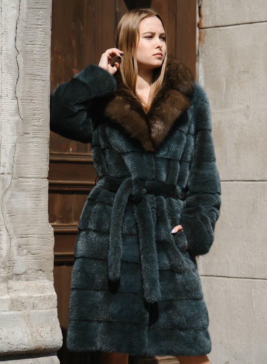 С чем носить шубу с поясом? /Фото: spbmeh.ru