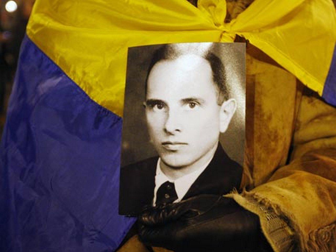 Преступления, которые нельзя забыть: в Польше издана книга о Бандере