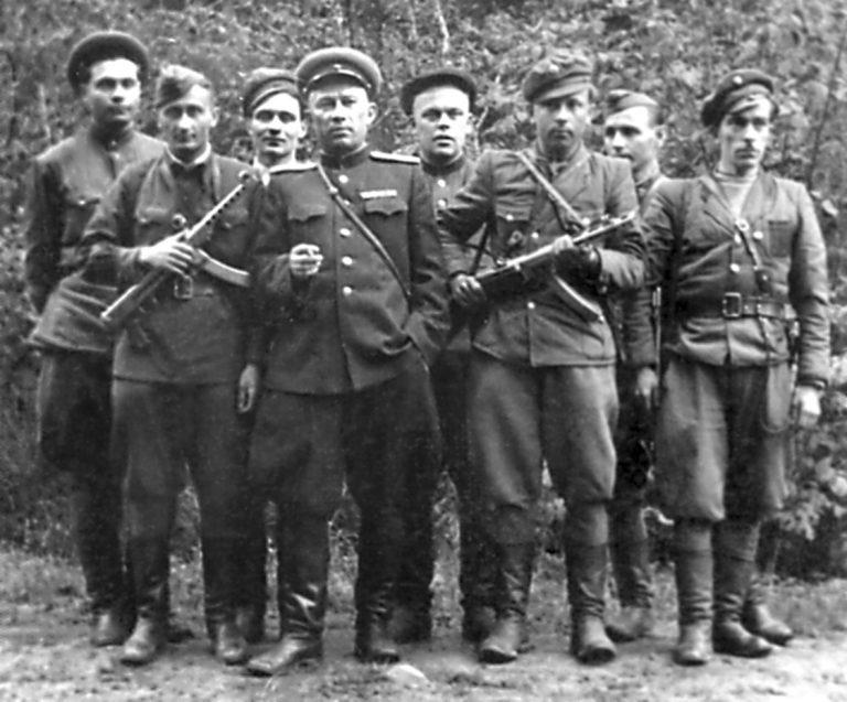 Почему бойцы СМЕРШа не брали в плен украинских националисток