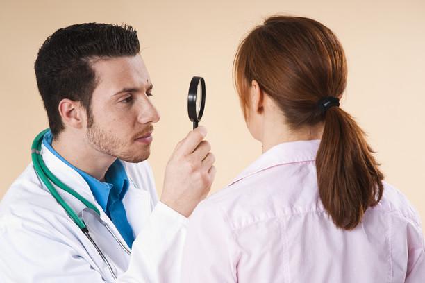 18 невероятных историй самолечения, рассказанных дерматологами