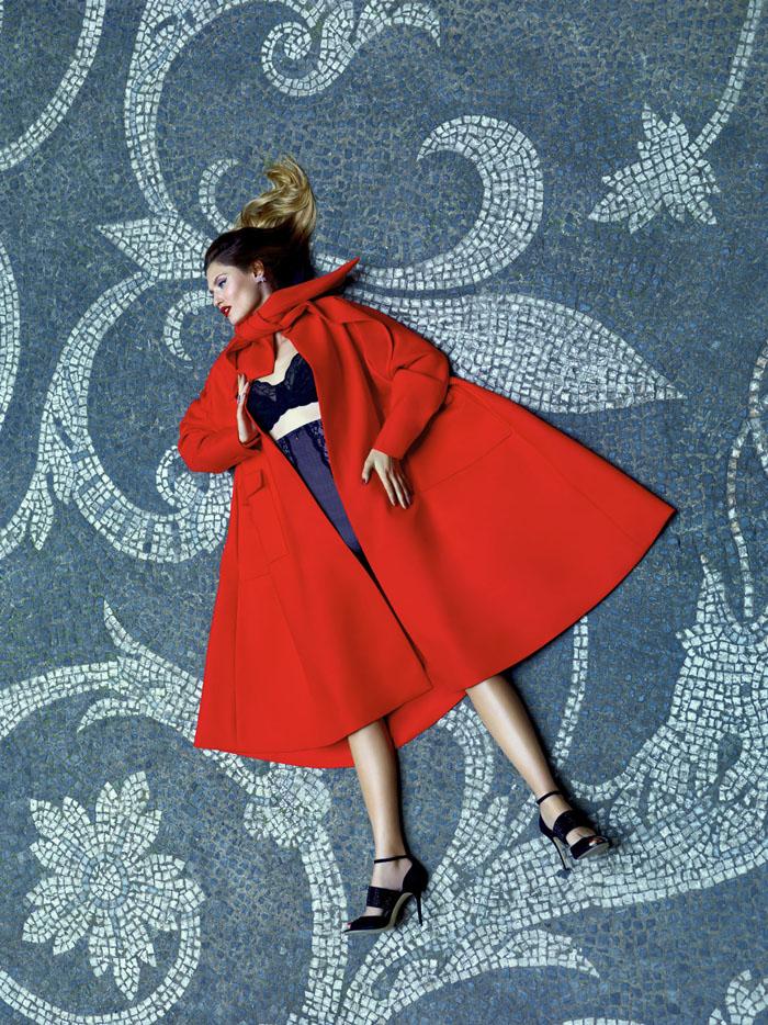 Бьянка Балти (Bianca Balti) в фотосессии Пьерпаоло Феррари (Pierpaolo Ferrari) для журнала Tatler Russia (сентябрь 2013), фото 3