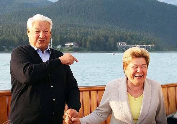Образом Ельцина бьют по Росс…