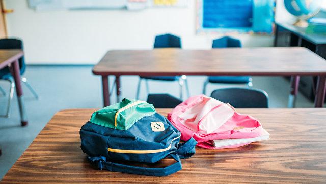 На Сахалине уволилась учительница, унизившая школьницу из-за дырки на кофте