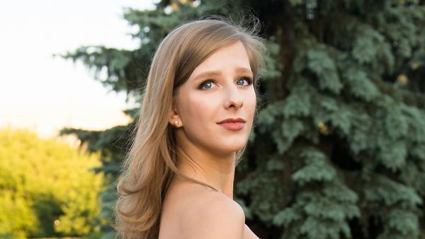 Лиза Арзамасова, Любовь Толк…