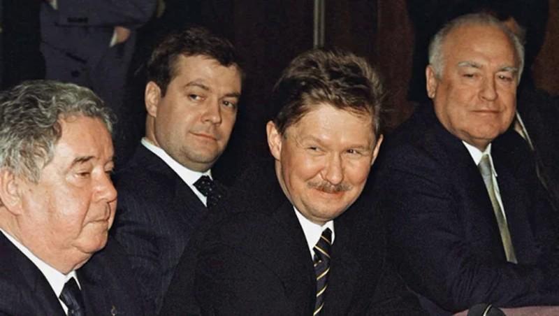 Кем был Алексей Миллер до Газпрома?