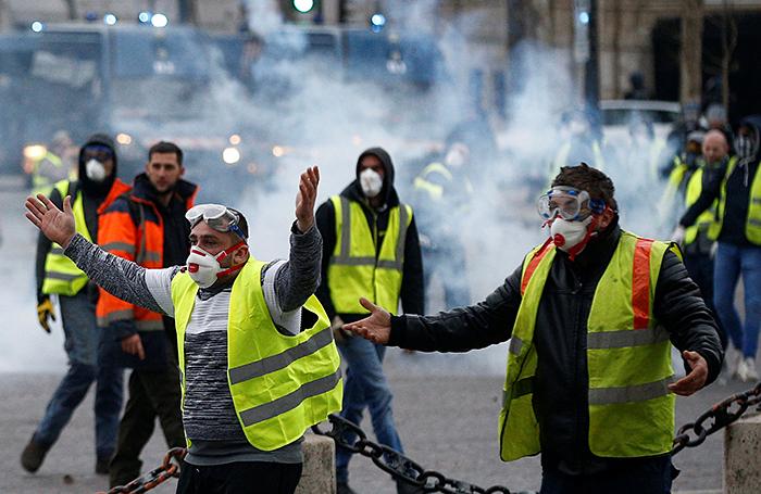 «Власть воюет против народа». Топливный бунт во Франции вспыхнул с новой силой