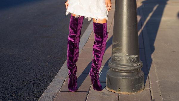 Фиолетовый цвет в одежде и а…