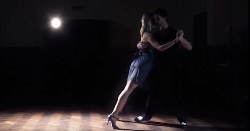 «Никто из нас не виноват». Невероятно чувственный танец под прекрасную песню!