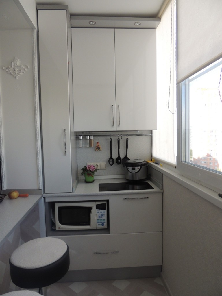 Сделать из кухни комнату фото