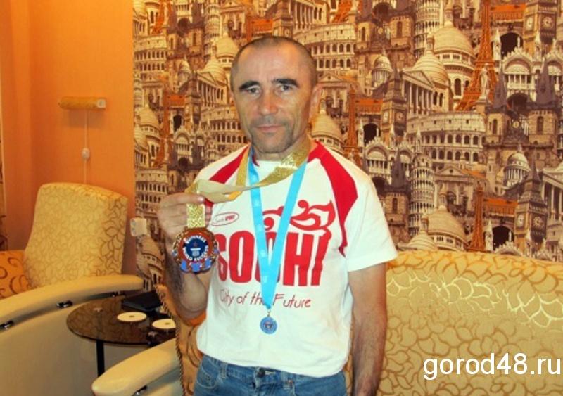 Липецкий силач-ветеран умудрился за одни соревнования побить 15 мировых рекордов