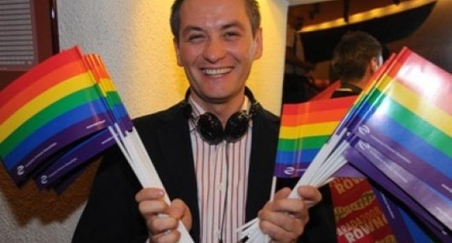 Польский политик-гей Роберт …