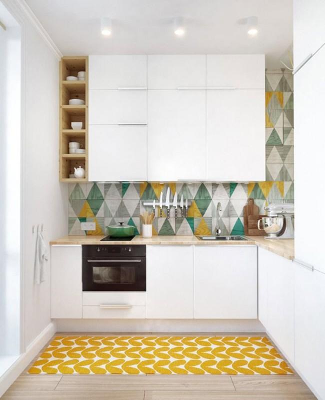 В маленькой кухне возможно без ущерба для площади рабочих поверхностей разместить большое количество шкафчиков, сделав некоторые из них от пола до потолка