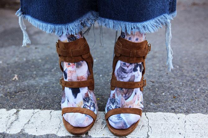 Как правильно носить яркие носки