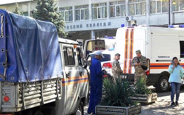 Атаки на школу. Эдуард Лимонов