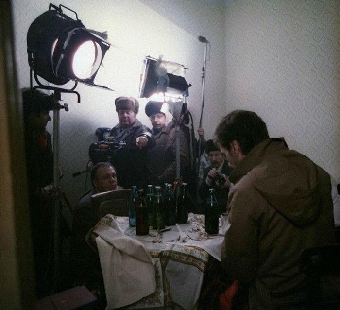 Алексей Баталов в роли Гоши на съемках фильма «Москва слезам не верит».