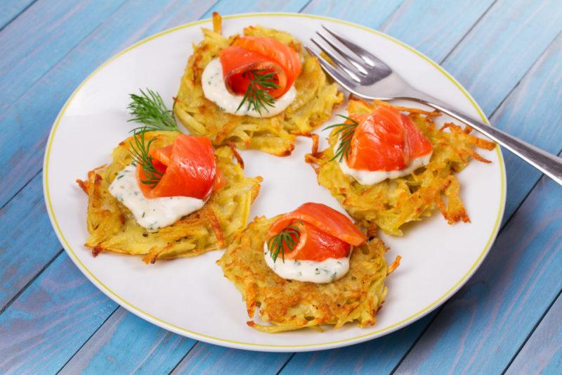 Изображение рецепта Овощные драники с лососем и рикоттой