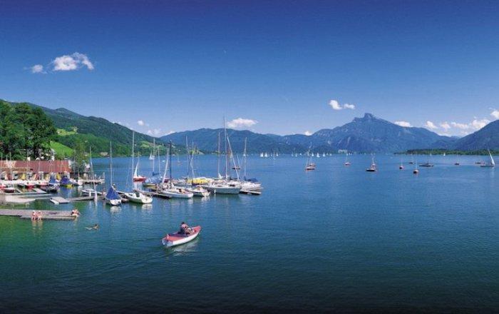 Одно из самых больших частных озер в Австрии.