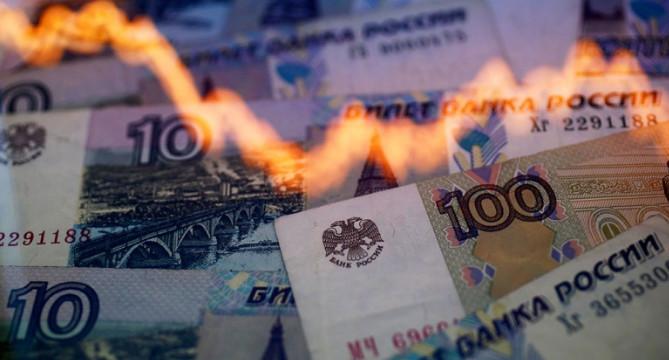 Опасные маневры. Россиянам могут повысить налоги