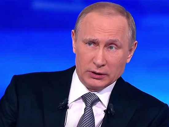 """""""А он уже сидит"""": соцсети откликнулись на """"Прямую линию"""" Путина"""