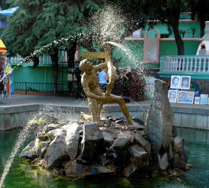 алушта фонтан рыбак