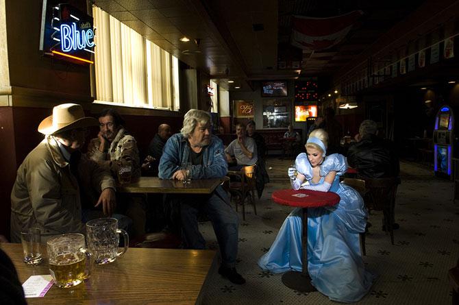 Павшие принцессы в объективе Дины Гольдштейн (13 фото)