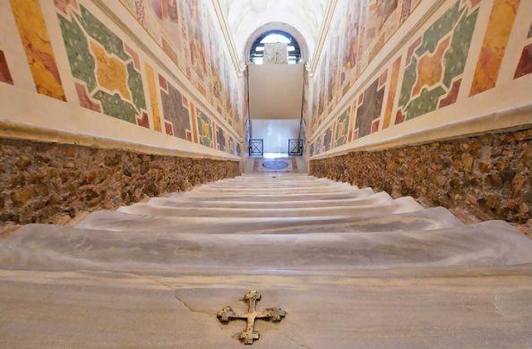 В Риме впервые за 300 лет открыли «лестницу Иисуса»