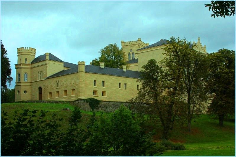 Замок Хише и пивоварня.