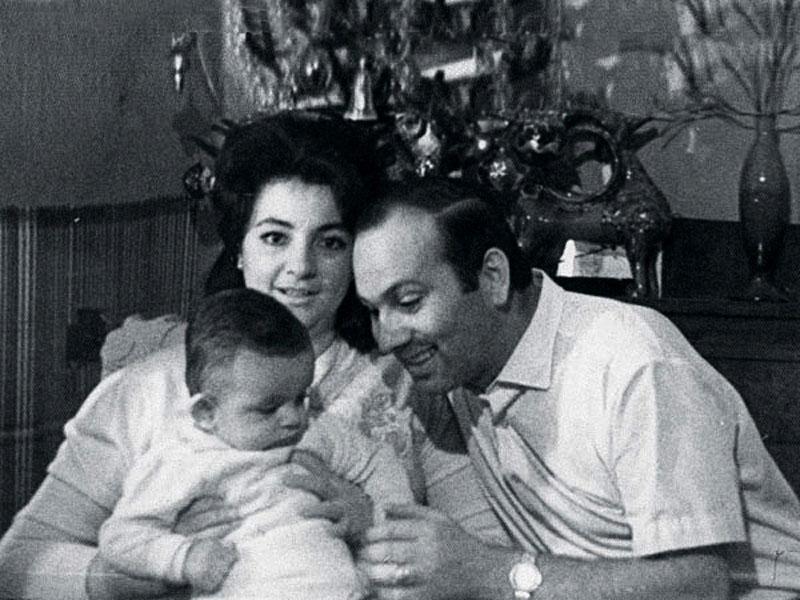 1028 Виктория и Бедрос Киркоровы с сыном Филиппом.jpg