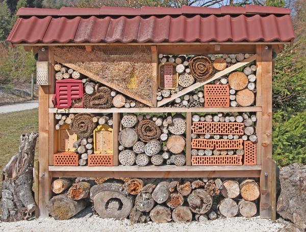 Оригинальный домик для насекомых