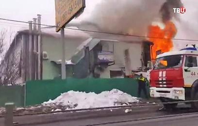 В Подмосковье загорелись частный дом и автомойка