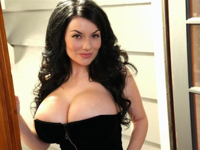 Красивая большая грудь видео фото 36661 фотография