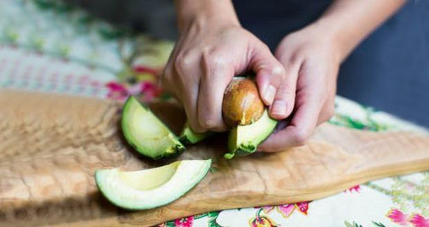 10 фруктов и овощей, которые мы всегда чистили и резали неправильно