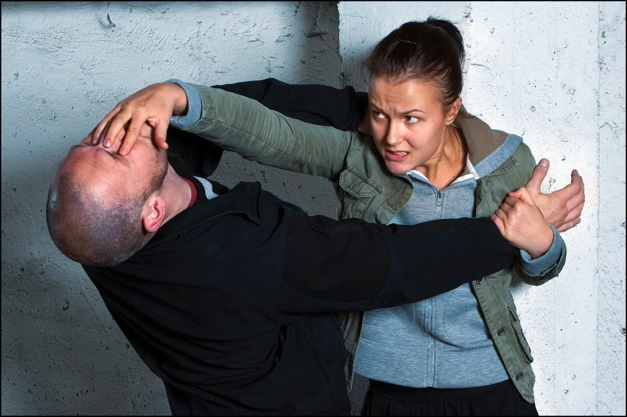 Практические советы по самообороне. Как вести себя в ситуации опасности