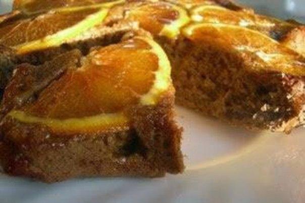 Единственное — не увлекайтесь этим пирогом перед сном, иначе будет трудно уснуть. А вот утром, к завтраку лучше не найти!