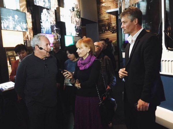 Твиттеряне благодарят Евгения Ройзмана за гастроли Макаревича в Ельцин-Центре.