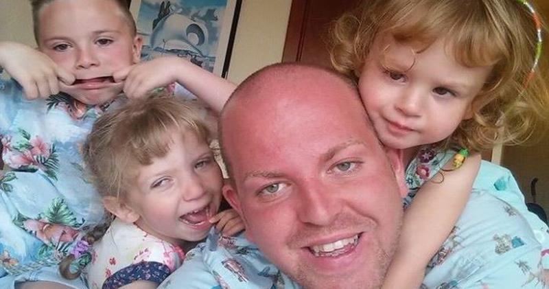 Британский гей усыновил четырех детей-инвалидов и безмерно счастлив