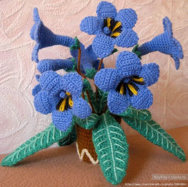Вязаные цветы на 8 марта своими руками