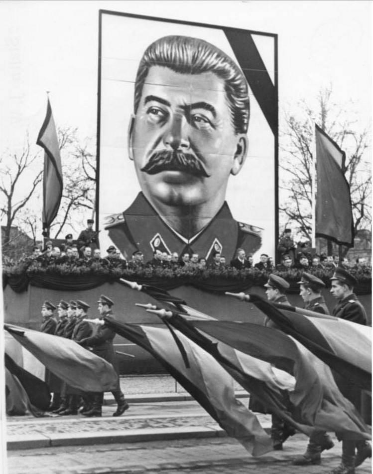 Посмертная судьба Сталина. Т…