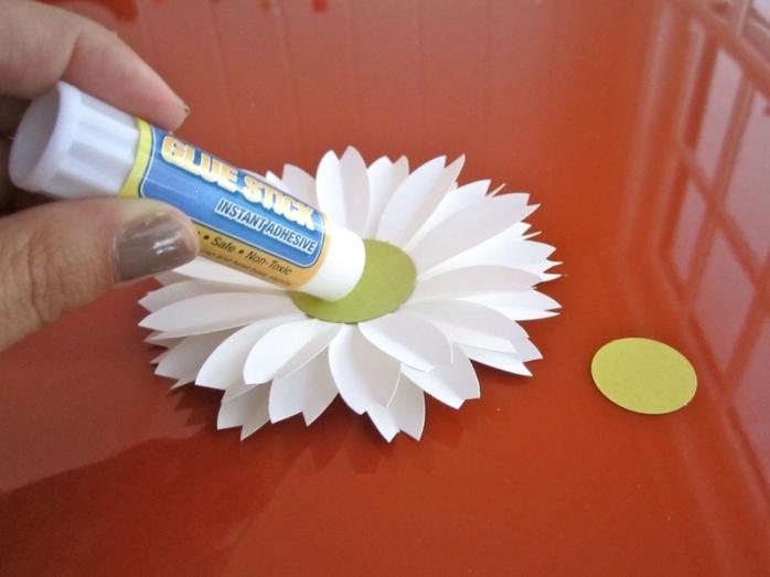 Как сделать ромашки из бумаги своими руками