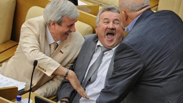 "Депутаты советуют ""выплёвыва…"