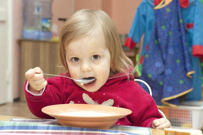 Можно ли детям есть манную кашу