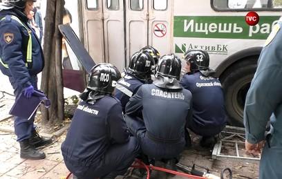 В Орле троллейбус сбил насмерть трех человек на остановке