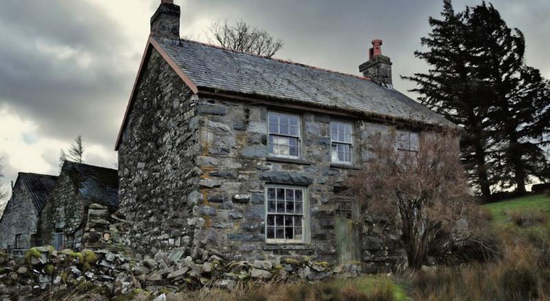 Облачный дом — в Уэльсе нашли заброшенный дом, в который никто не заходил 60 лет