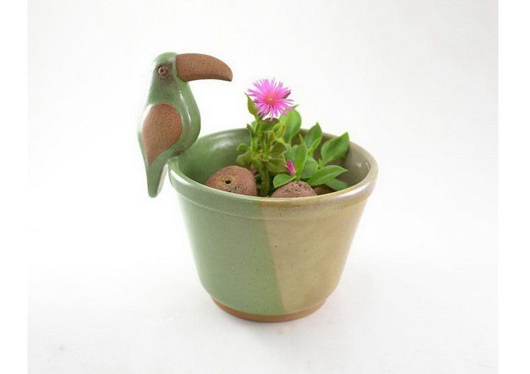 Как сделать маленький цветок с горшком