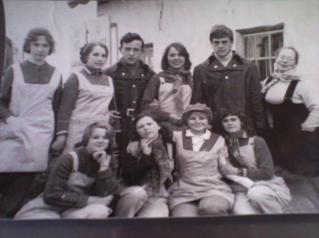 Агитбригада РДК в гостях у тружеников полей 70-е годы,режиссер Лесина Зоя.